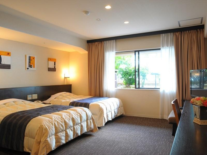 Maple Deluxe Twin Room