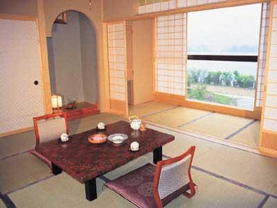다다미 객실(본관) (Japanese-style Room (Main Building) *Non-smoking from July 1, 2020)