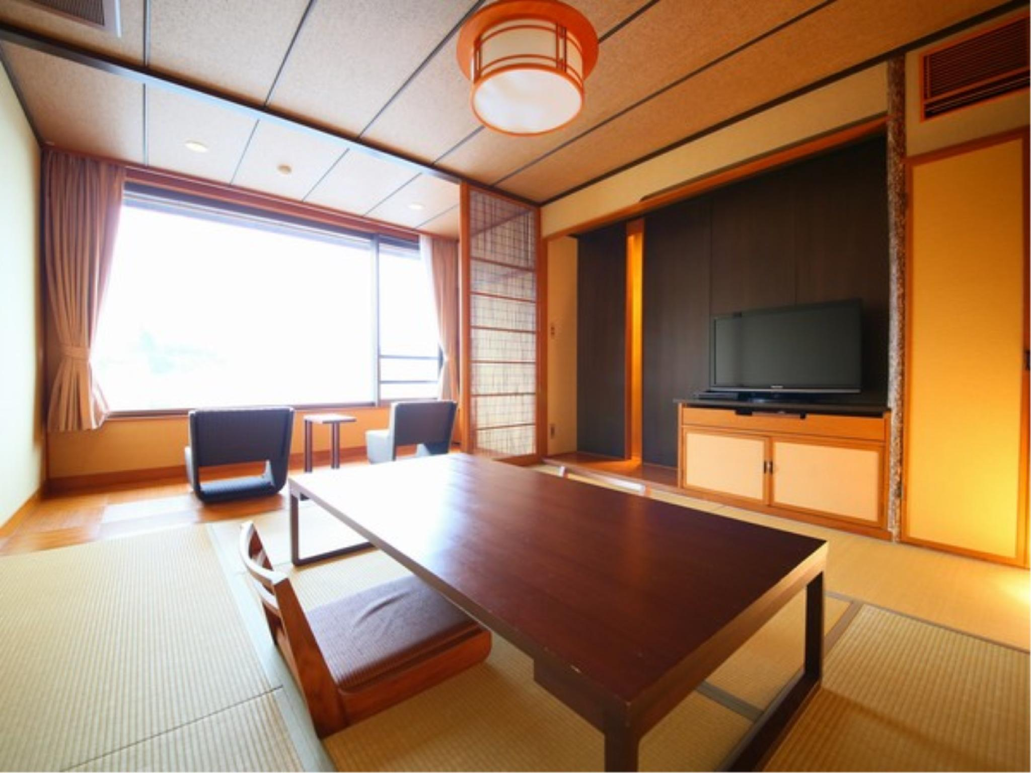 Japanese-style Room (Tsuki Type or Nagi Type, Main Building)