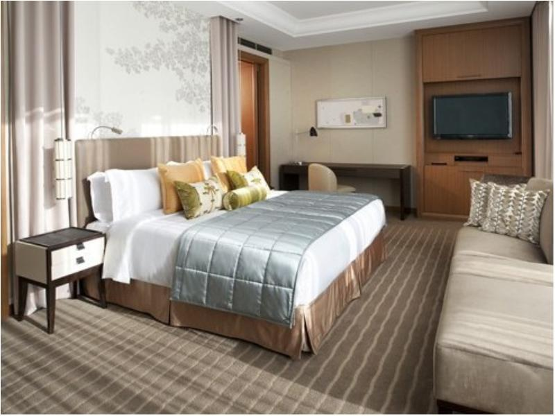 Grand Deluxe Double Room (Skyline View)
