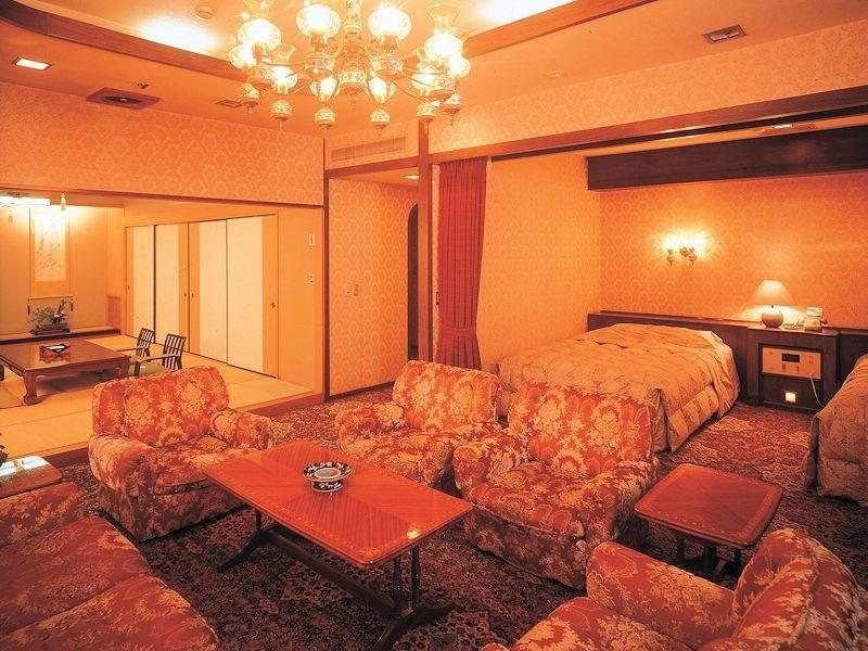 Japanese/Western-style Room *Has smoking booth (Special Japanese/Western-style Room (2 Beds, Hananatsutei Wing))