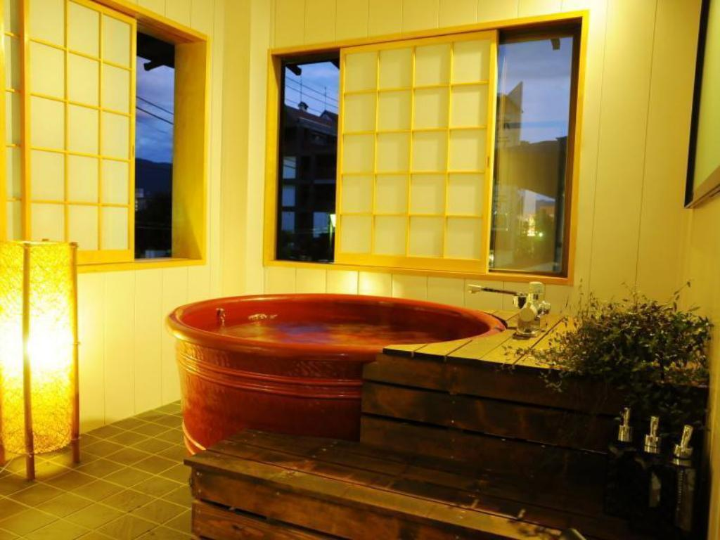 Japanese/Western-style Room with Semi Open-air Bath (Misaka Type) - ห้องพัก