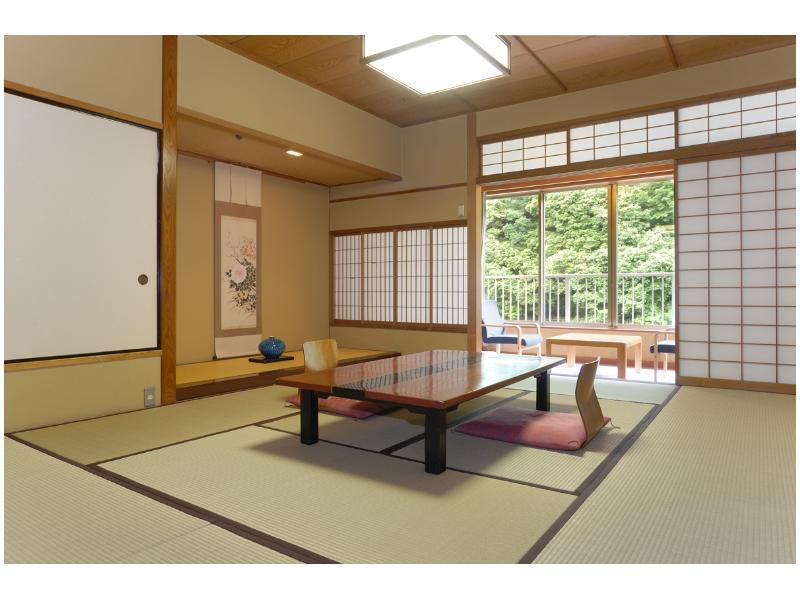 다다미 객실(동관) *조망 지정불가 (Japanese-style Room (East Wing) *No designated view)