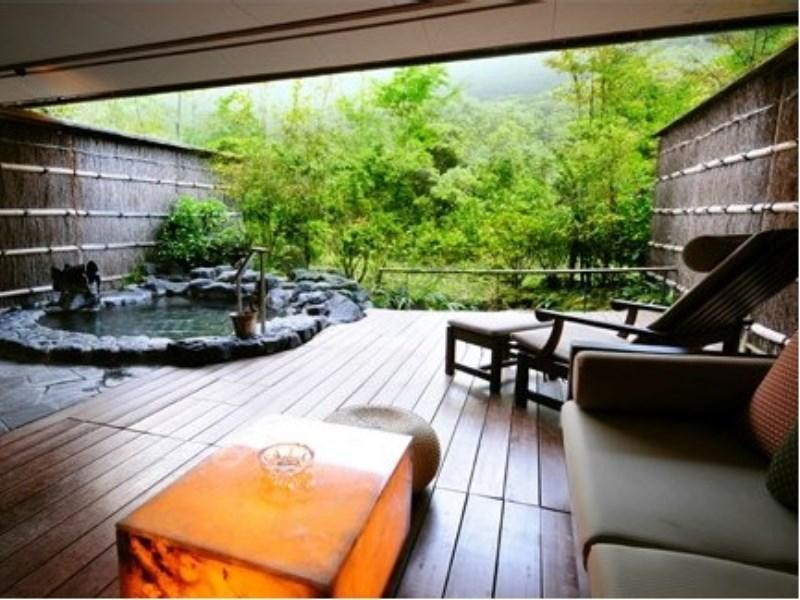 Special Japanese-style Room with Open-air Bath (Tsuki Type)