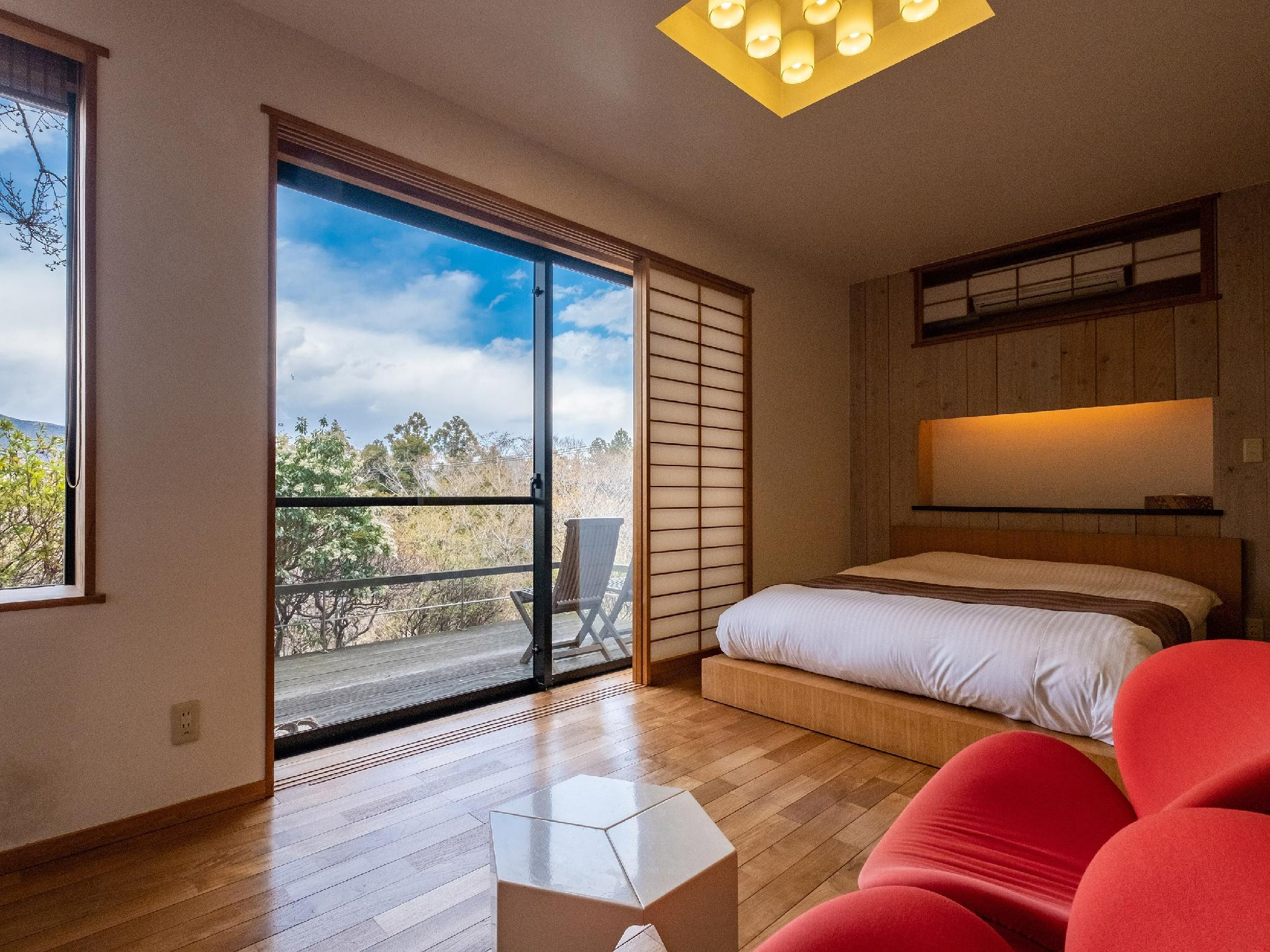 Japanese/Western-style Room (Double or Twin)