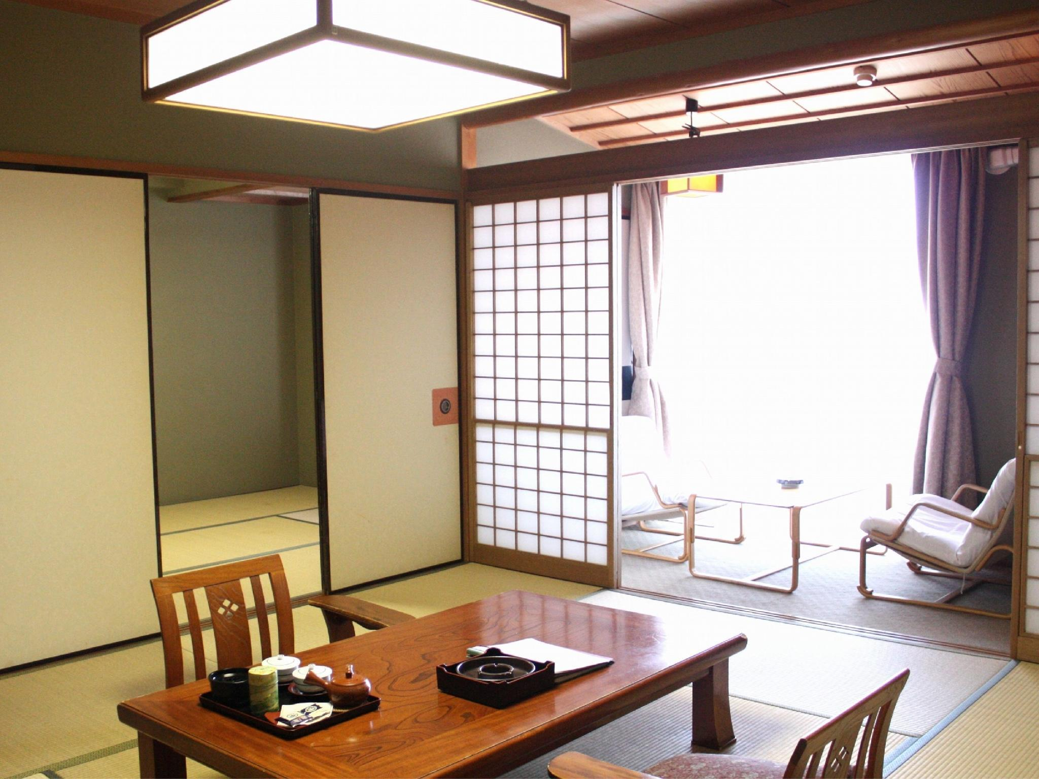 和室|10畳+次の間6畳+踏込0.5畳 (Japanese-style Room with Hiroen Space)