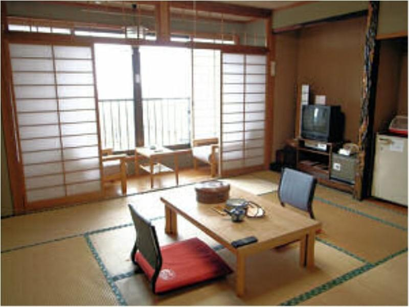 和式房(無法指定客房條件)※有廁所 (Japanese-style Room *Allocated on arrival; Has toilet)