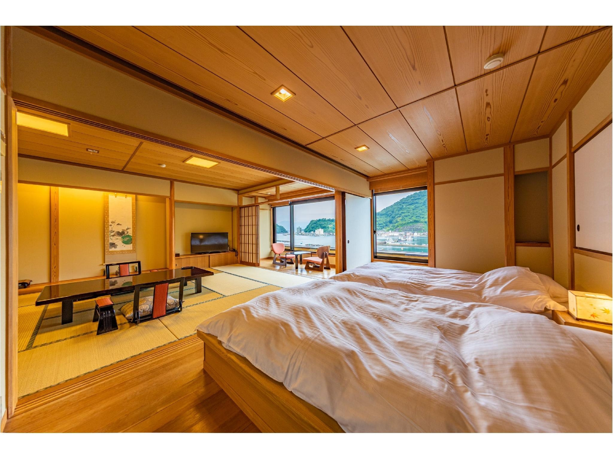 Japanese Style Room with Semi Open-Air Bath