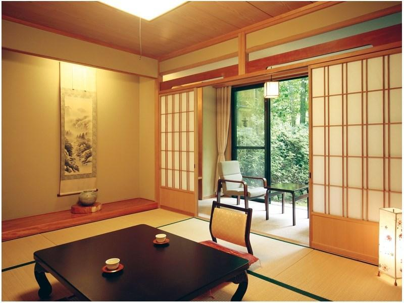 Japanese-style Room (Japanese-style Room (Aizome Wing or Chikusui Wing))