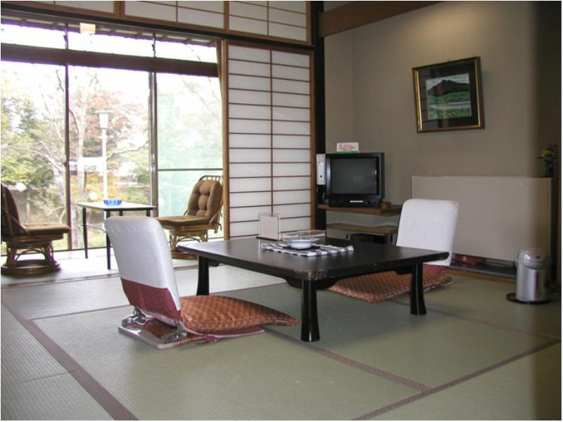 彌生亭 和式房※有廁所無浴室 (Japanese-style Room (Yayoitei Type) *Has toilet, no bath in room)