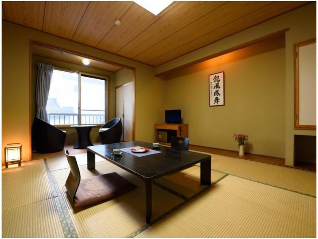 Japanese-style Room (Tomoetei Wing)