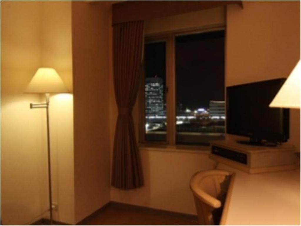 Single Room - Guestroom Hotel Green Tower Makuhari