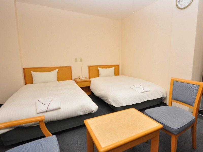 Twin Room (2 Semi-double Beds + 1 Extra Bed)