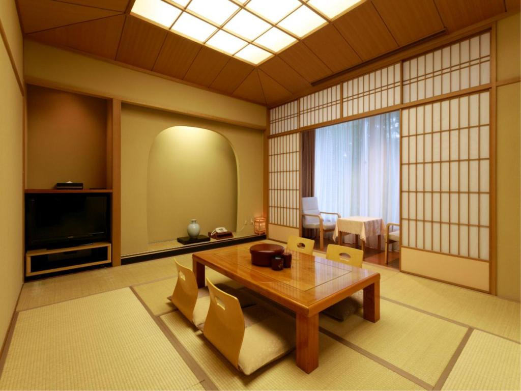 Japanese-style Room with Cypress Bath - Guestroom