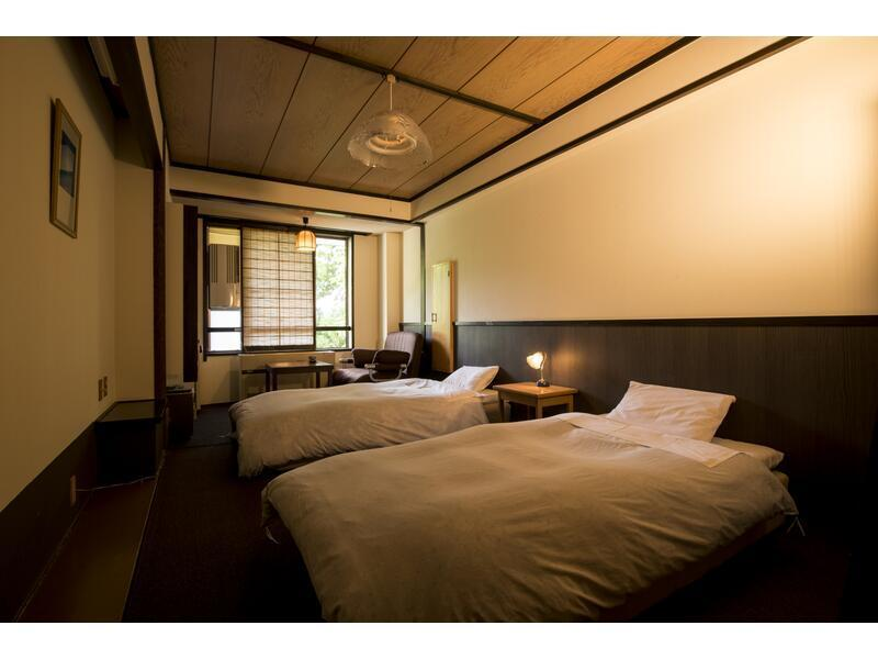 標準洋式房(雙人雙床房+沙發床)※無浴室 (Standard Western-style Room (Twin Bed + Sofa Bed) *No bath in room)