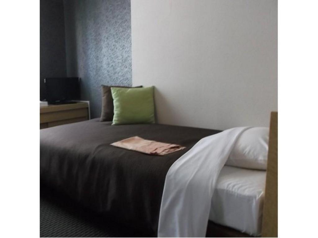 Single Room - Guestroom Nagano Plaza Hotel