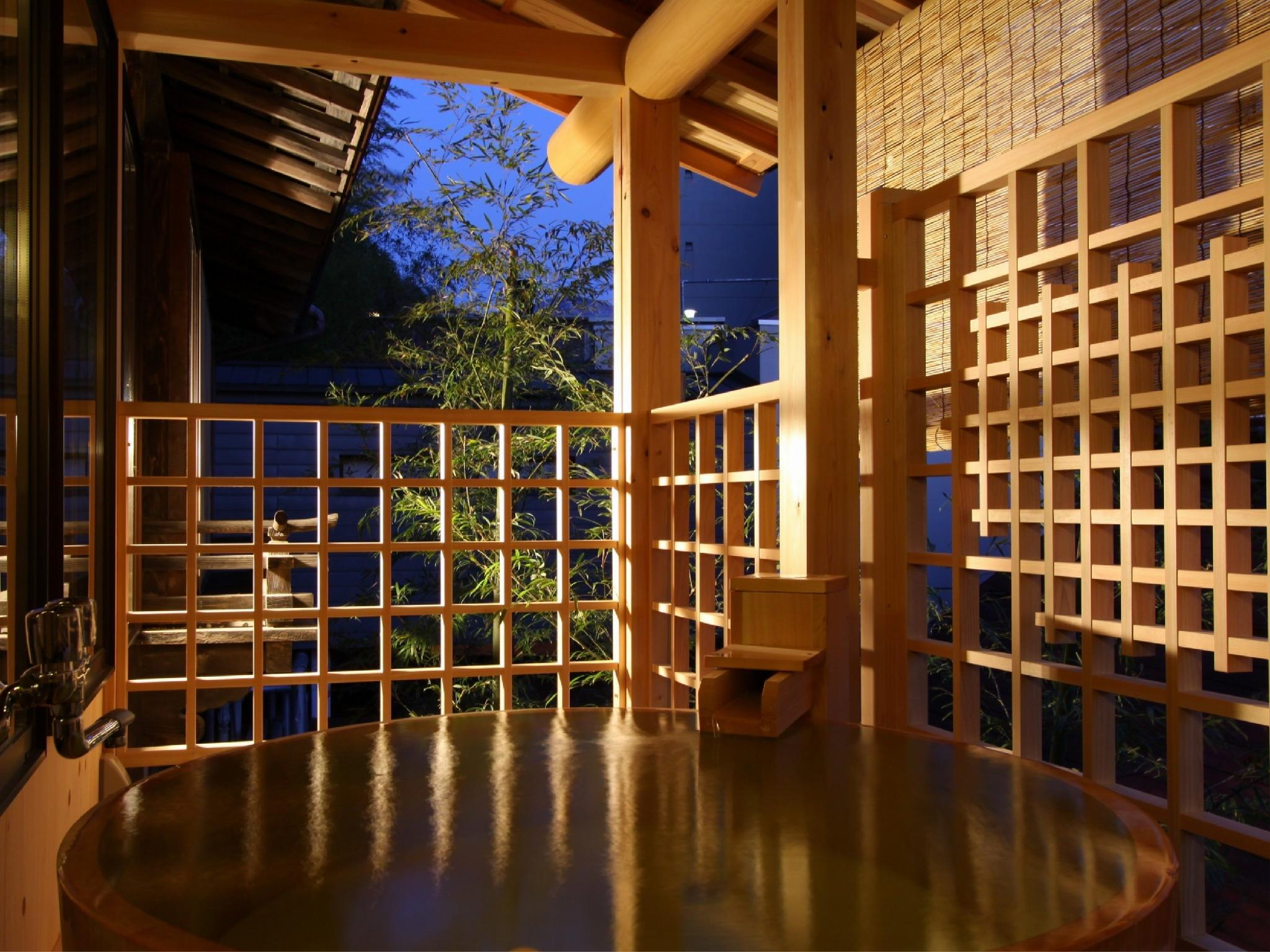 Japanese/Western-style Room with Open-air Bath (Komakusa Type, Shorai-so Wing)