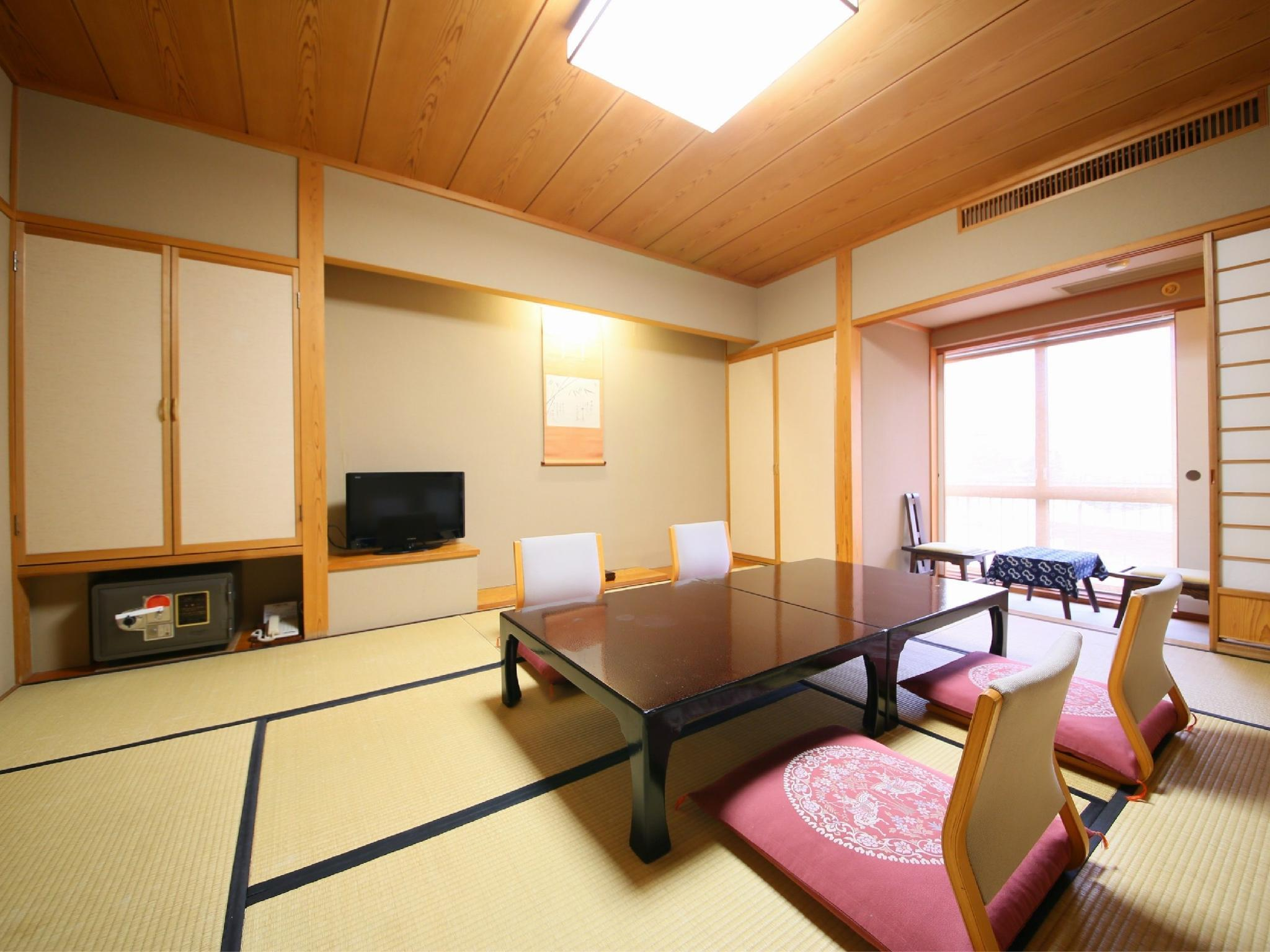 本馆 和式房+宽走廊 (Japanese-style Room with Hiroen Space (Main Building))