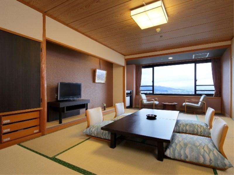 알프스뷰 스탠다드 다다미 객실(NISHI-NO-YAKATA) (Standard Japanese-style Room (Alps View, West Wing))