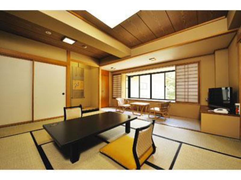 Japanese Style Room - Guestroom Shirafune Grand Hotel