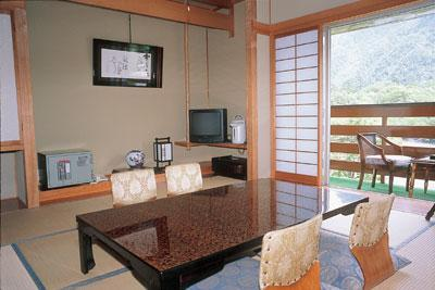 和式房 (Japanese-style Corner Room (New Building))