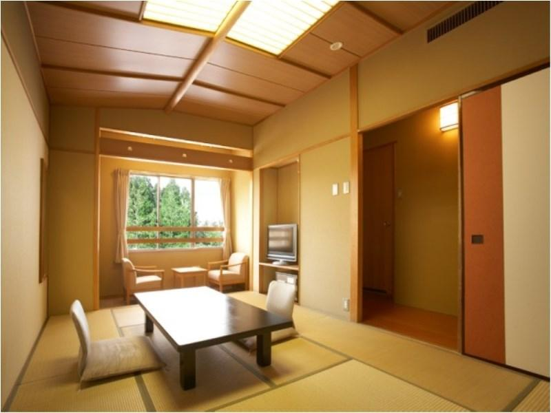 Standard Japanese-style Room (East Wing)