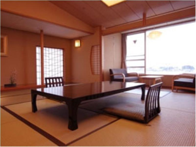 新館かくだ館 和室(12.5畳+6畳+広縁)  (Japanese-style Room with Hiroen Space (Kakuda Wing/New Building))