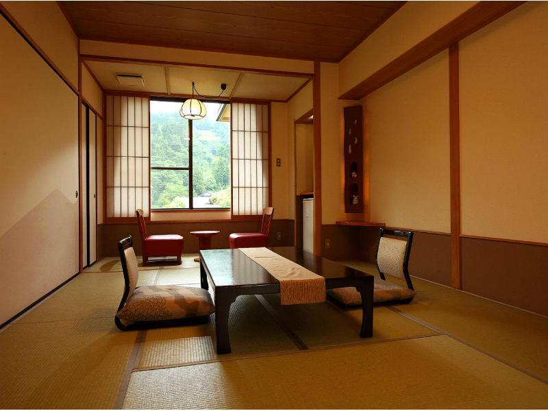 中央馆 和式房(无浴室)*2020年4月1日起禁烟 (Japanese-style Room (Central Wing) *No bath in room (*Non-smoking from 2020/4/1))