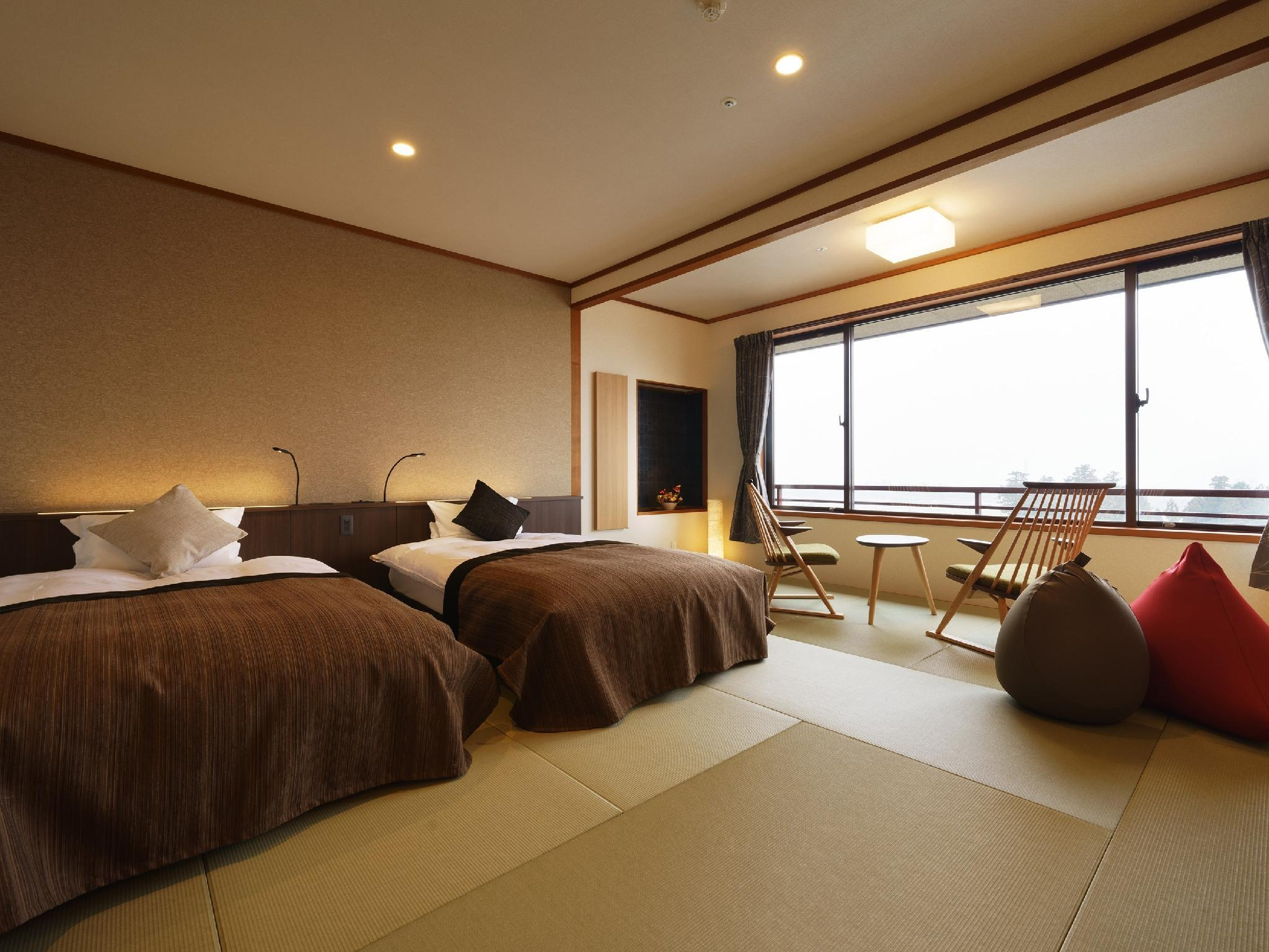 Japanese-style Room (2 Japanese Beds)