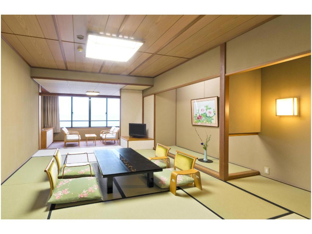 Japanese-style Room(Nishi-no-Kaze Wing) *Private dining - ห้องพัก