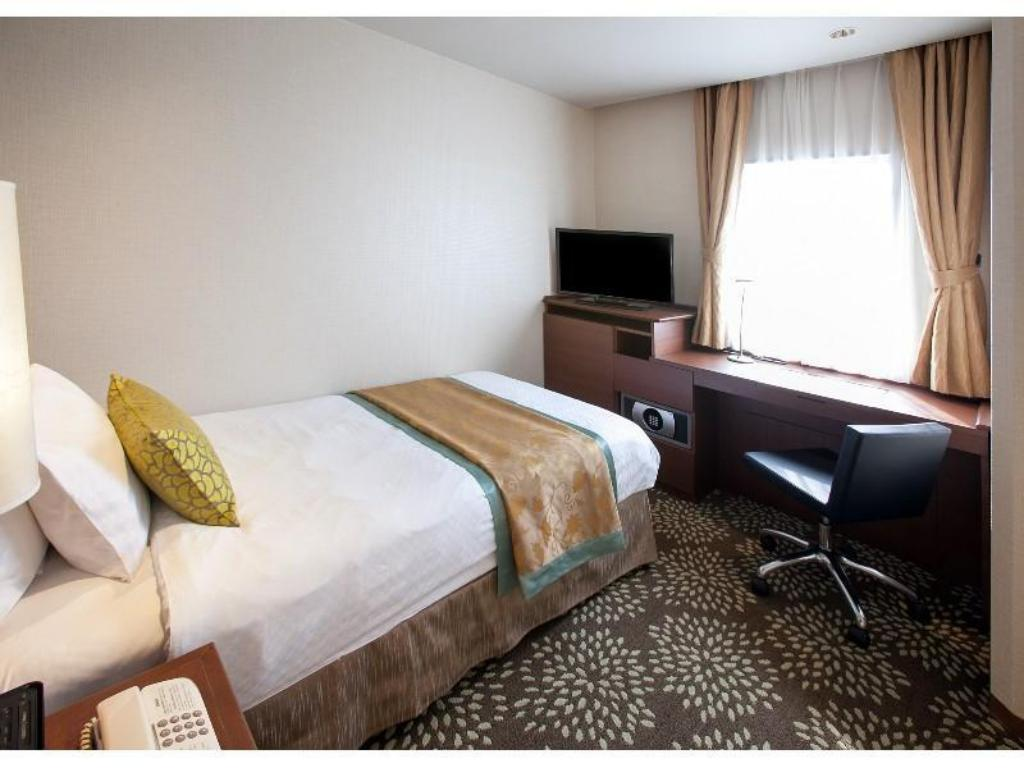 Single Room - Guestroom ANA Holiday Inn Kanazawa Sky
