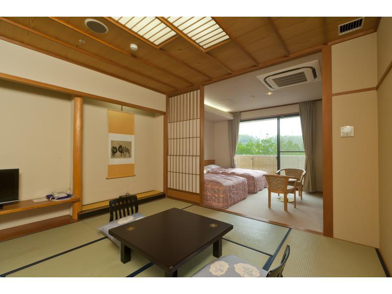 Japanese/Western-style Room (Japanese-style Room (Twin Beds, Ryuguden New Building))