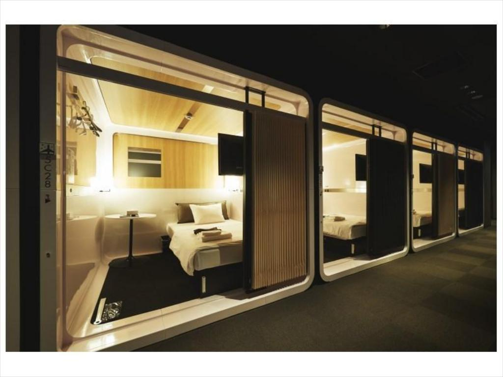 Ladies' First Class Cabin Room - Guestroom