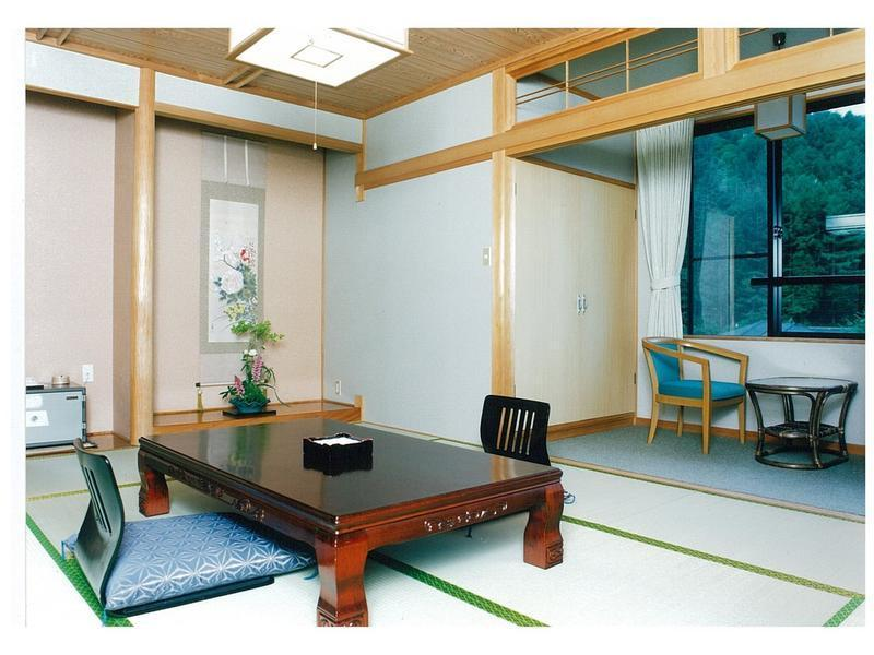 本館 和室 風呂なし|8畳+踏込 (Japanese-style Room (Main Building) *No bath in room )