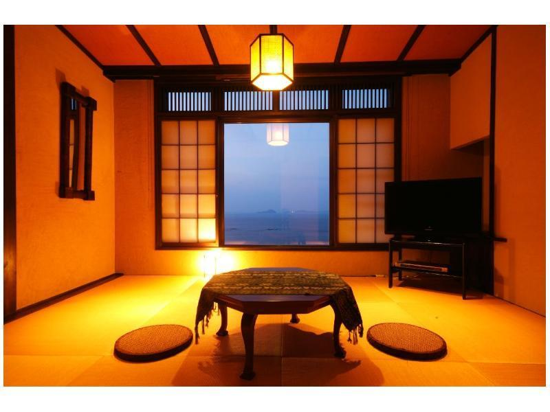 Japanese/Western-style Room with Open-air Bath (Dua Type)