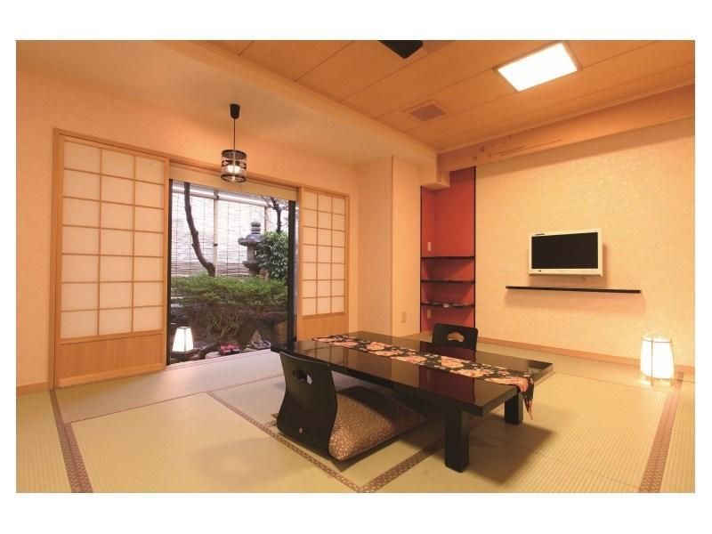 Japanese-style Room with Small Garden