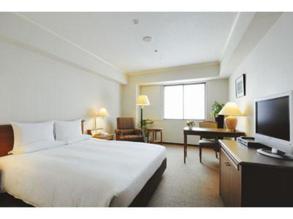 Single Room - Guestroom International Garden Hotel Narita
