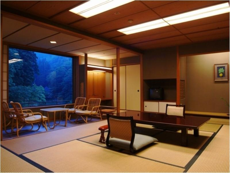 Japanese-style Room (Niwa-no-To Wing)