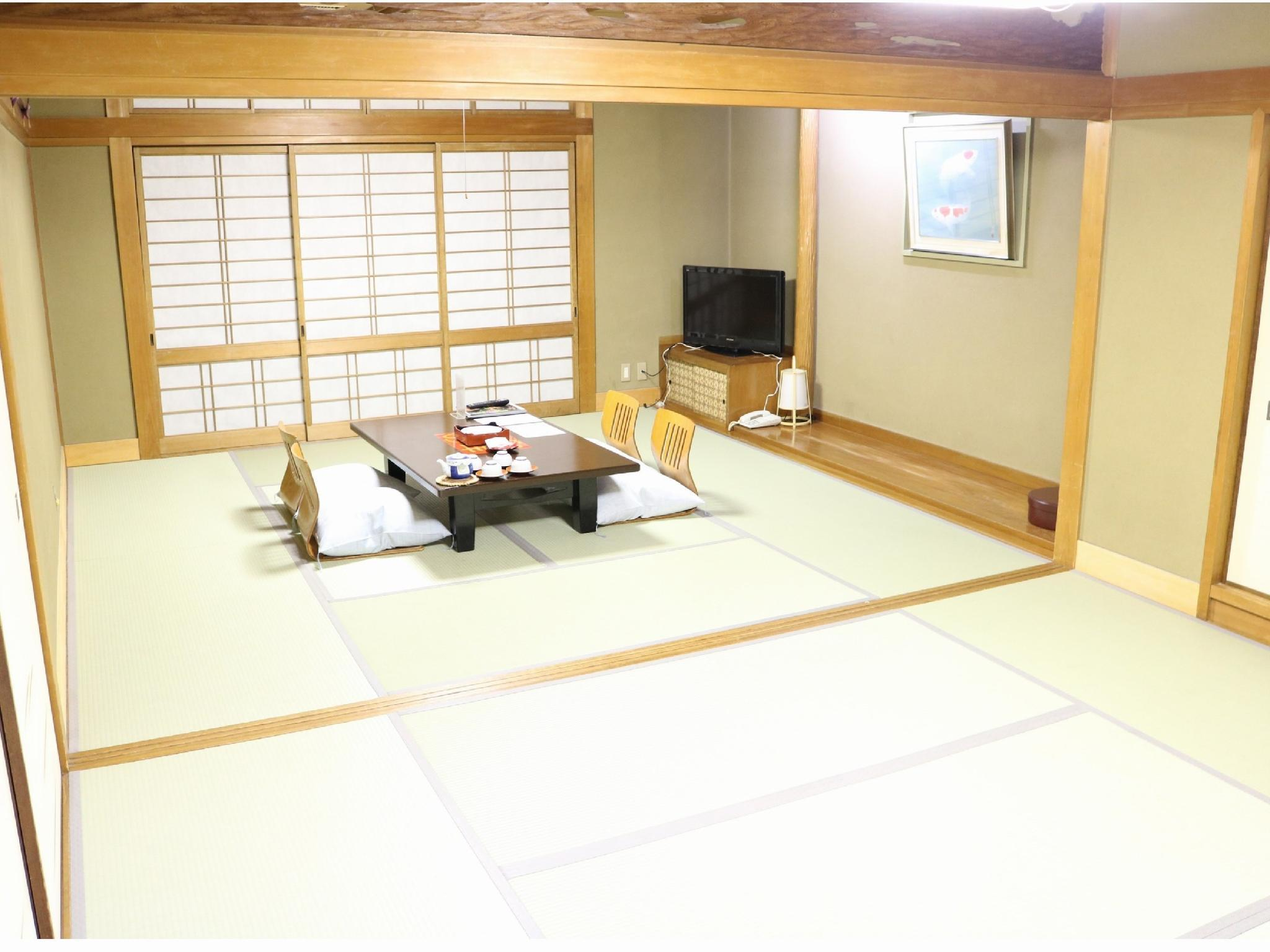 和式房(客房内无浴室、有厕所) (Japanese-style Room *Has toilet, no bath in room)