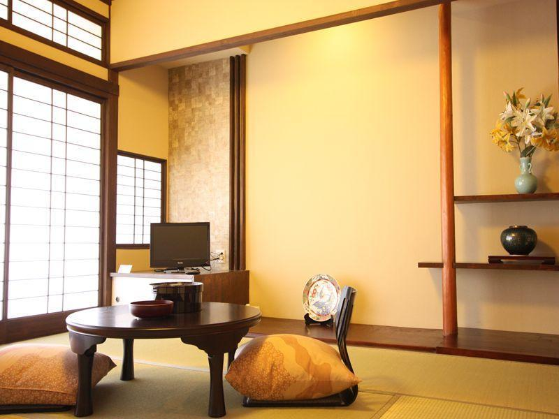 Japanese-style Room (Seizanso Type)