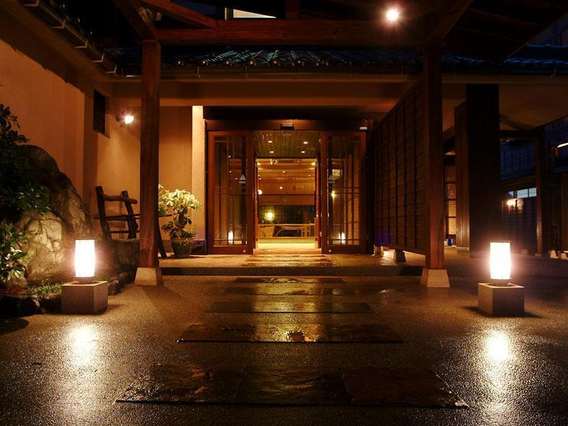 北館 和式房 (Japanese-style Room with Hot Spring Stone Bath (North Wing)  *In-room dining)