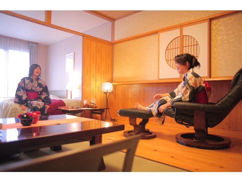 和洋式房 (Japanese/Western-style Room with Scenic View Bath (2 Beds))