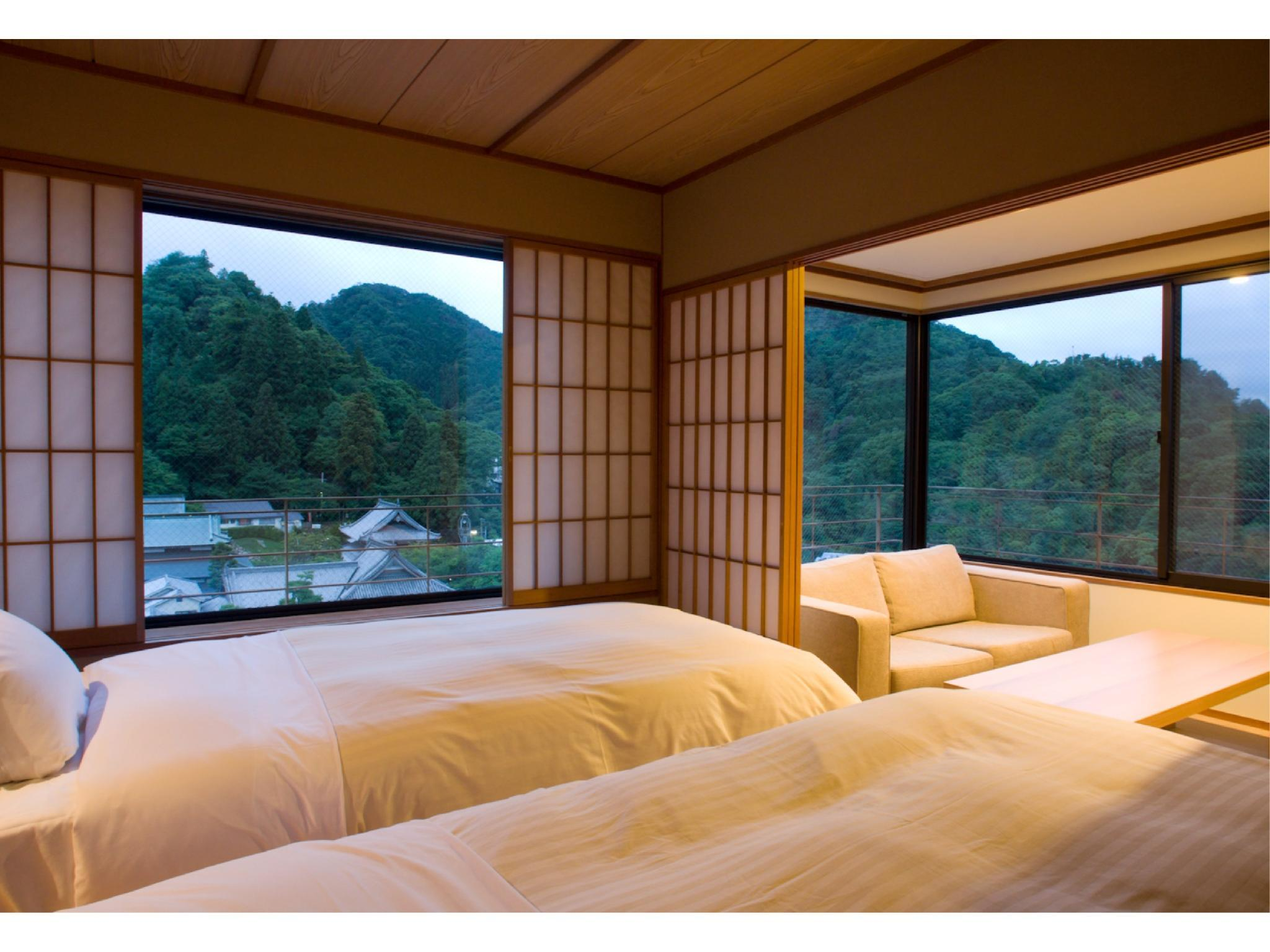 Japanese/Western-style Twin Room (Corner Room, Top Floor, Hananokan Wing)