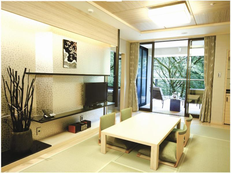 Japanese/Western-style Room with Scenic View Bath (2 Beds)
