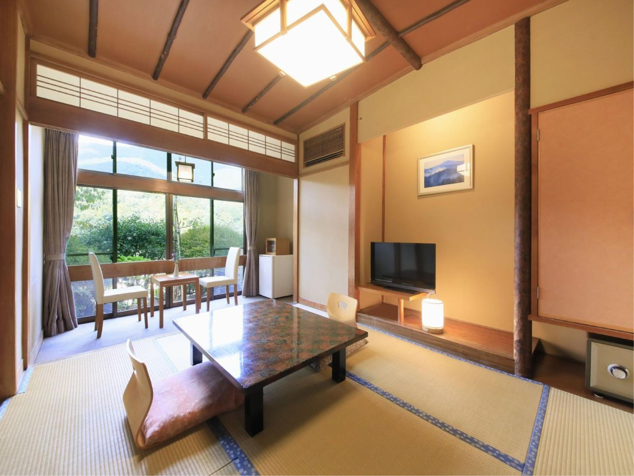 【C】源泉檜風呂・トイレ付標準和室6畳|6畳+踏込 (Japanese-style Room with Cypress Hot Spring Bath (Type C) *Has toilet)