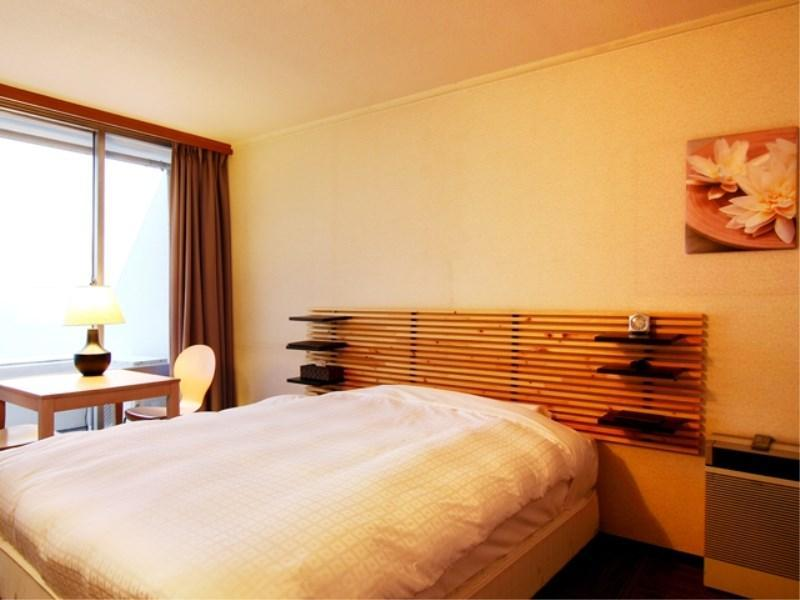 Double Room (Western-style Room + Japanese-style Room)