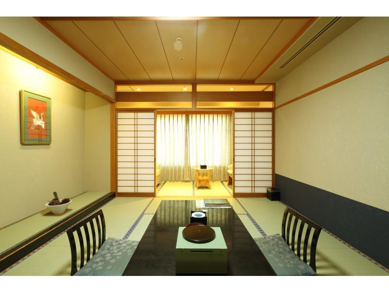 和室|10畳+踏込1畳 (Japanese-style Room with Massage Chair)