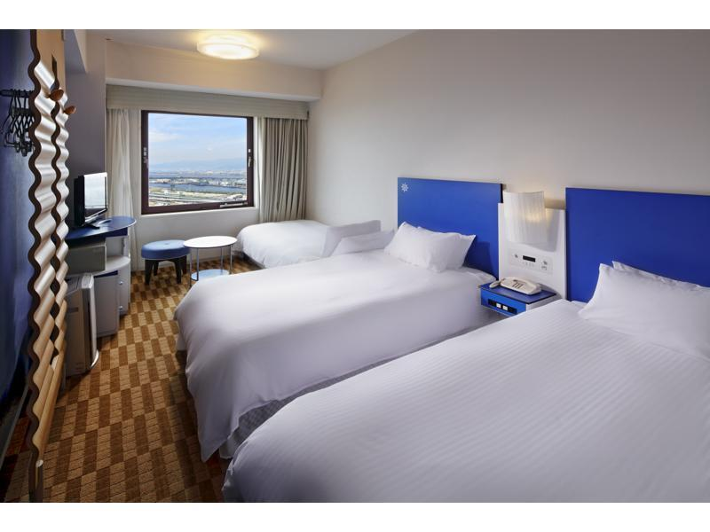 Casual Twin Room (Universal Studios View)