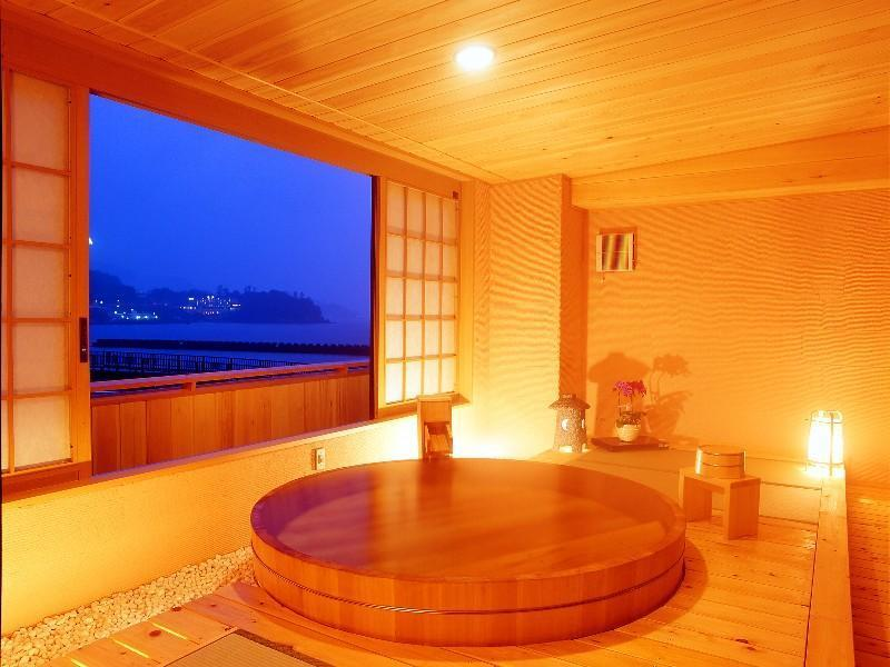 直径190cm露天付「ささやき」 (Japanese-style Room with Open-air Bath (Sasayaki Type))