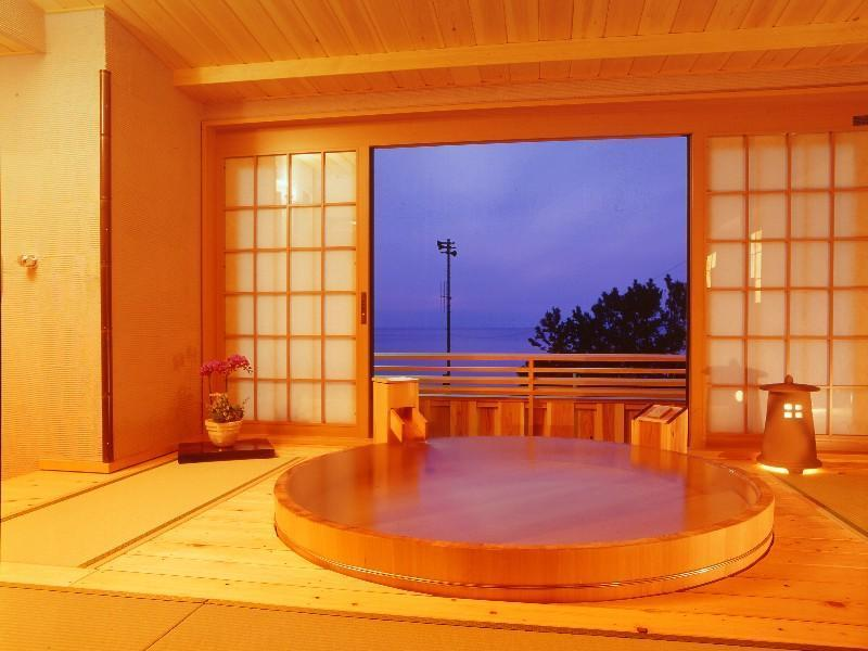直径190cm露天付「ときめき」 (Japanese-style Room with Open-air Bath (Tokimeki Type))